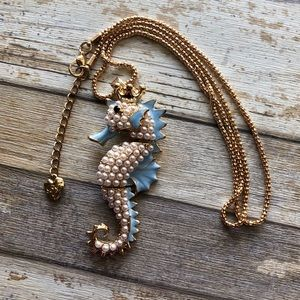 NEW✨ Betsey Johnson Seahorse Pearl Gold Necklace